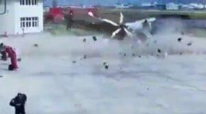 Video – Helikopter Yerde Böyle Kırım Geçirdi