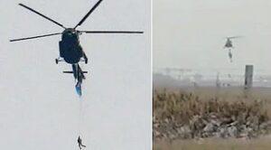 Paraşütçü Helikopterde Asılı Kaldı