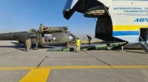Dev Kargo Uçağı ingiliz Askeri Helikopterlerini Taşıdı