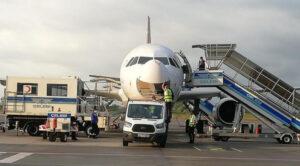 Anadolujet Uçağı İnişinde Kuşa Çarptı
