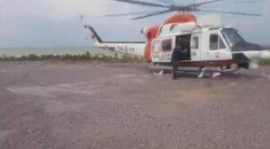 Askeri Helikopterler Sel Bölgesinde Vatandaşın Yanında
