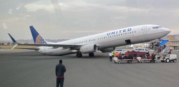 """United Uçağı """"Şaha Kalktı"""""""