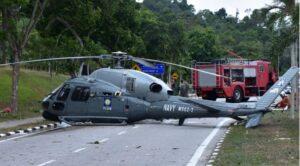 Malezya'da Askeri Helikopter Sert İniş Yaptı