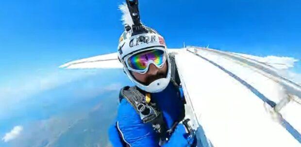 Hayko Cepkin'den Paraşüt Atlayışı