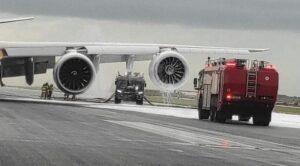 Boeing 747 Kargo Uçağının Motoru Yandı