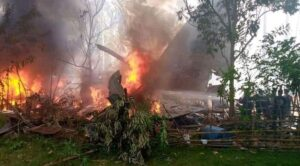 Filipinlerde C-130 Askeri Nakliye Uçağı Düştü