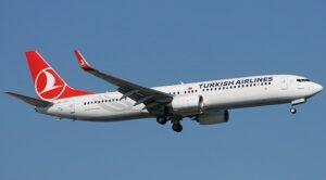Afganistan'dan Tahliye Edilen 160 Kişi THY Uçağı İle Türkiye'ye Geldi
