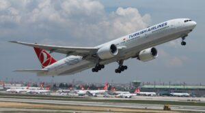 THY Lahore – İstanbul Uçağı Kuşa Çarptı Geri Döndü